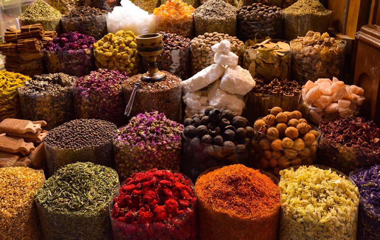 mercado de especias en marruecos