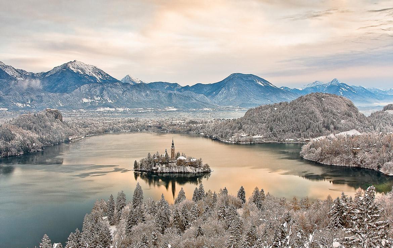 vista de la isla de bled en invierno