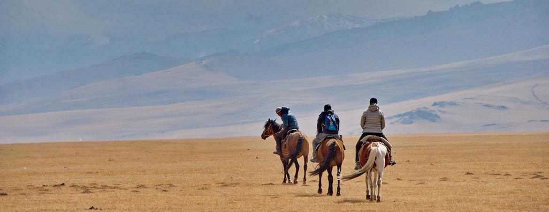 Ruta a caballo por las montañas de Kirguistán