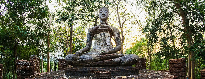 Estatua de yoda Sedente